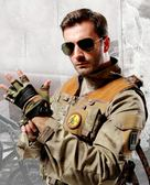 戶外 半指手套 登山手套 裝備防護戰術騎行運動手套「Top3c」