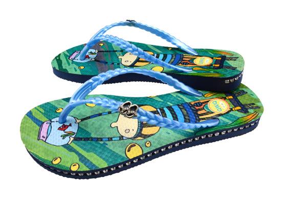 QWQ創意鞋- 水中魚缸 施華洛世奇水鑽夾腳人字拖鞋-藍 (奇幻世界系列 )