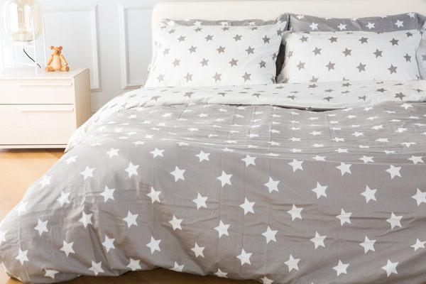 休休家飾 XIUXIU 銀白星星組 純棉雙色被套枕套雙人 三件組、枕套雙色