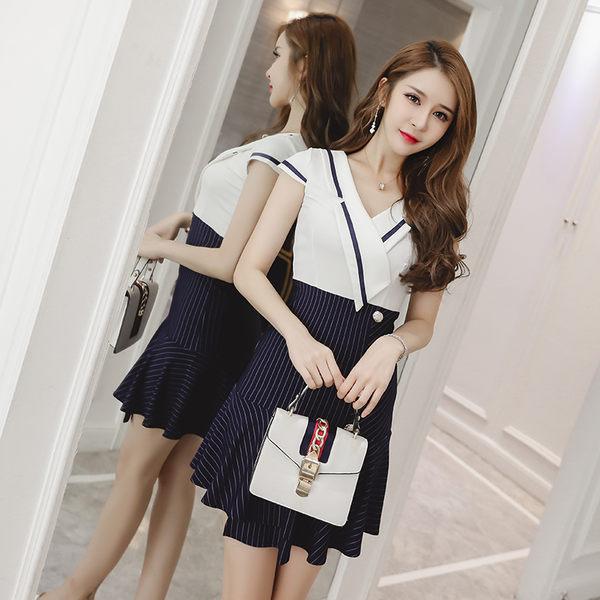 $388出清 韓國風性感深V翻領低胸荷葉邊短袖洋裝