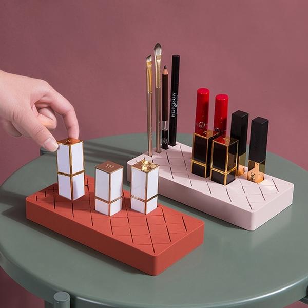【BlueCat】口紅唇釉 矽膠收納盒 (中) 化妝品收納 首飾收納 眉筆 指甲油 口紅 眉彩置物架 整理盒