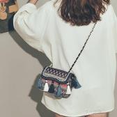 流行的包包女新款潮簡約時尚斜背包原宿民族風帆布流蘇小方包