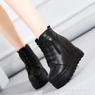 厚底厚底楔形短靴女秋冬12CM超高跟防水台棉靴黑色內增高馬丁靴鬆糕鞋【果果新品】