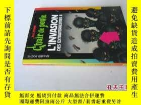 二手書博民逛書店法文原版罕見L invasion des extraterrestres : Tome 2 (French)Y