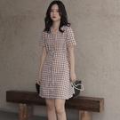 VK精品服飾 韓國風復古格紋單排釦氣質修身短袖洋裝