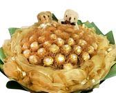 娃娃屋樂園~無悔的愛-50顆金莎+2隻小熊(網紗版) 每束1600元/情人節花束