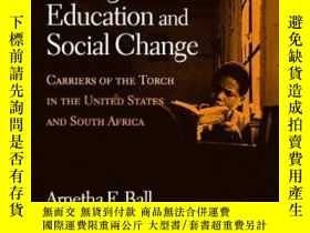 二手書博民逛書店Multicultural罕見Strategies For Education And Social Change