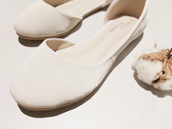 大尺碼女鞋小尺碼女鞋圓頭側挖簍空平底鞋娃娃鞋涼鞋包鞋(31-46)現貨#七日旅行