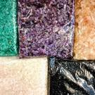 【紅磨坊】NO.3NPU天然五行500G細碎石分色包裝100GX5綠/紫/黃/白/黑曜(加持祈福)【Ruby工作坊】