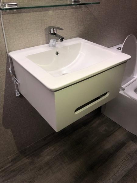 *人氣推薦。小資必買!衛浴設備 寬54cm臉盆+短櫃(無收納功能) 下開孔可掛毛巾 附水龍頭及配件