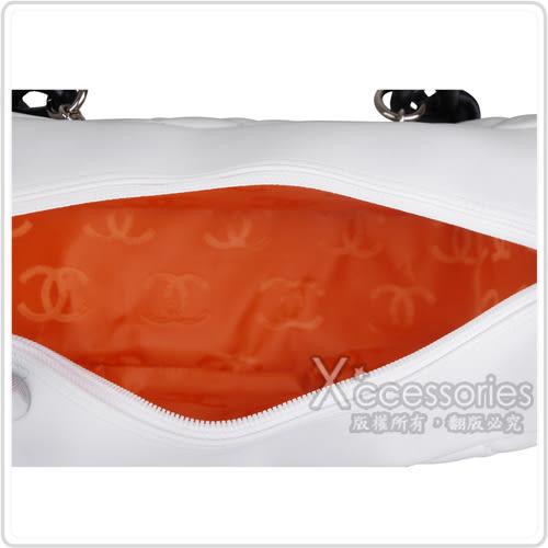CHANEL Outlet 展示品 經典康朋系列造型保齡球肩背包(白)