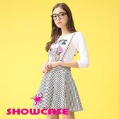 【SHOWCASE】俏麗印花T恤二件式條紋吊帶裙洋裝(白)