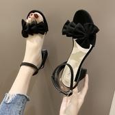 粗跟涼鞋粗跟涼鞋夏季2020新款ins百搭仙女風黑色時尚一字帶蝴蝶結高跟鞋 衣間迷你屋