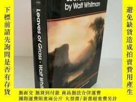 二手書博民逛書店Walt罕見Whitman :Leaves of Grass (