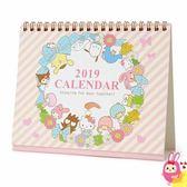 Hamee 日本製 三麗鷗 2019年桌曆 月曆 年曆 行事曆 凱蒂貓 美樂蒂 布丁狗 大耳狗 (花圈) 330051