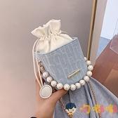 斜背包包女潮時尚百搭珍珠鏈條側背包網美小方包【淘嘟嘟】