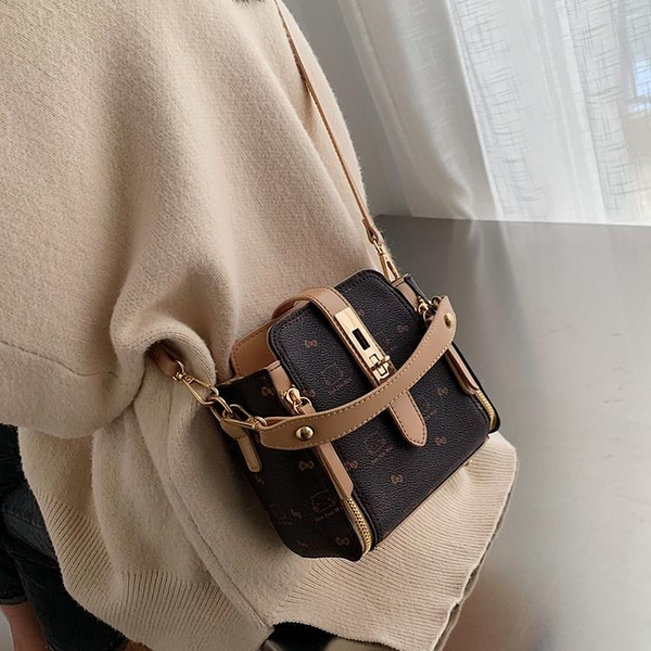 水桶包 洋氣小包包女包2021新款潮時尚手提印花韓版鎖扣單肩斜背包  【端午節特惠】