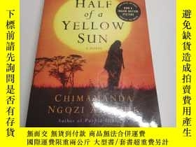 二手書博民逛書店HALF罕見OF A YELLOW SUN(半個黃色太陽)Y24