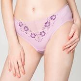思薇爾-戀衣蝶舞系列M-XXL蕾絲中腰三角內褲(紫丁香)