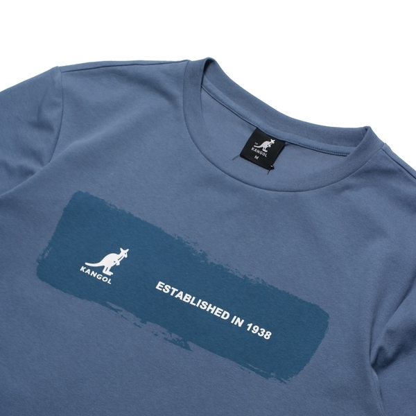KANGOL 短袖 短T 長方形LOGO字樣 油漆 粉藍 T恤 袋鼠 棉 男 (布魯克林) 6125100982