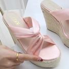 楔型涼鞋 拖鞋 緞面扭結 厚底涼鞋*KWOOMI-A61