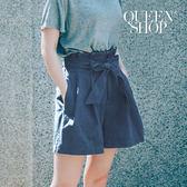 Queen Shop【04120014】配色車線腰綁帶造型後鬆緊牛仔短褲 S/M*預購*