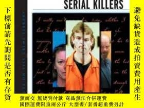 二手書博民逛書店The罕見Encyclopedia Of Serial KillersY256260 Newton, Mich
