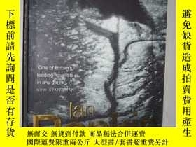 二手書博民逛書店英文原版罕見A Question of Blood by Ian