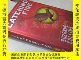 二手書博民逛書店The罕見Hunger Games:Catching Fire【大32開精裝 英文原版】Y16472 Suza