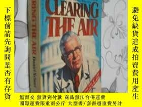 二手書博民逛書店Clearing罕見The Air by Daniel Scho