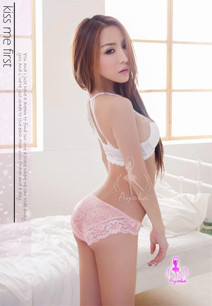 浪漫香氣!粉嫩緹花蕾絲內褲 (OS小舖)