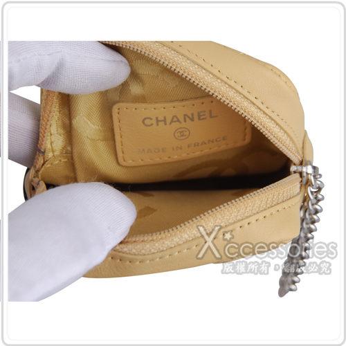 CHANEL Outlet 康朋系列羊皮相機香菸萬用小包(米黑)