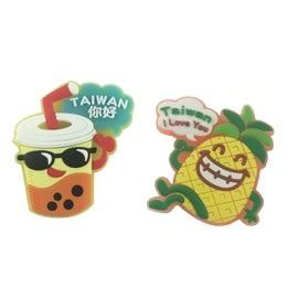【收藏天地】台灣紀念品*可愛卡通造型冰箱貼-鳳梨與珍奶/  旅遊 紀念品 手信 可愛 卡通