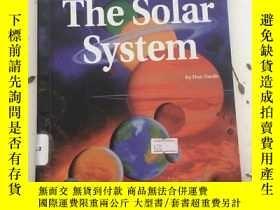 二手書博民逛書店The罕見Solar System 館藏Y23470 Don N