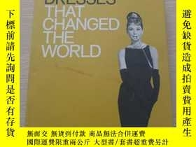 二手書博民逛書店Fifty罕見Dresses That Changed the