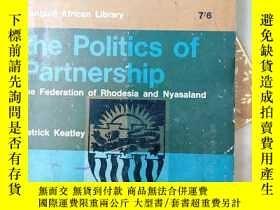 二手書博民逛書店The罕見Politics of Partnership: Th