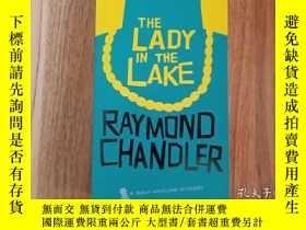 二手書博民逛書店英文原版罕見The Lady in the Lake 湖底女人 經典偵探推理大師Y35283 Raymond