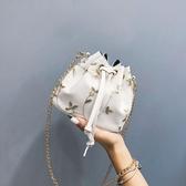 促銷小包包女夏天韓版百搭斜背包鍊條側背小清新繡花水桶包 宜室