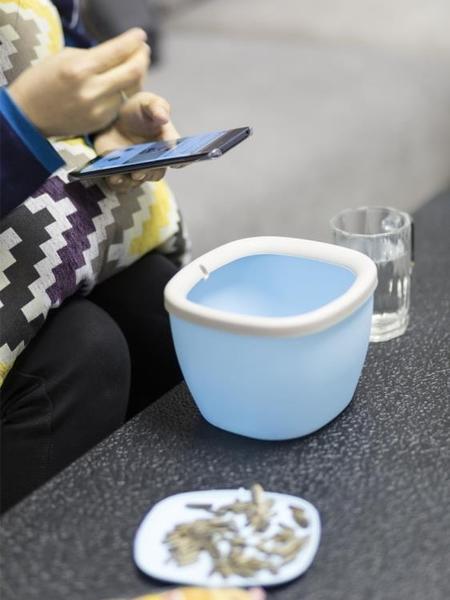 车载垃圾桶 桌面垃圾桶家用帶蓋創意可愛客廳床頭茶幾車載桌上迷你小號垃圾桶