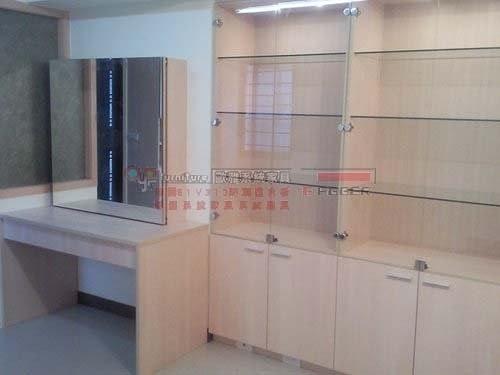 【系統家具】 『工作室』 展示玻璃櫃+化妝台+烤漆玻璃白板矮櫃