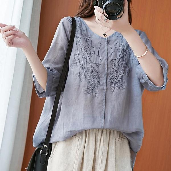 復古文藝刺繡亞麻燈籠袖襯衫女夏季寬鬆V領短袖百搭苧麻上衣薄款 果果輕時尚