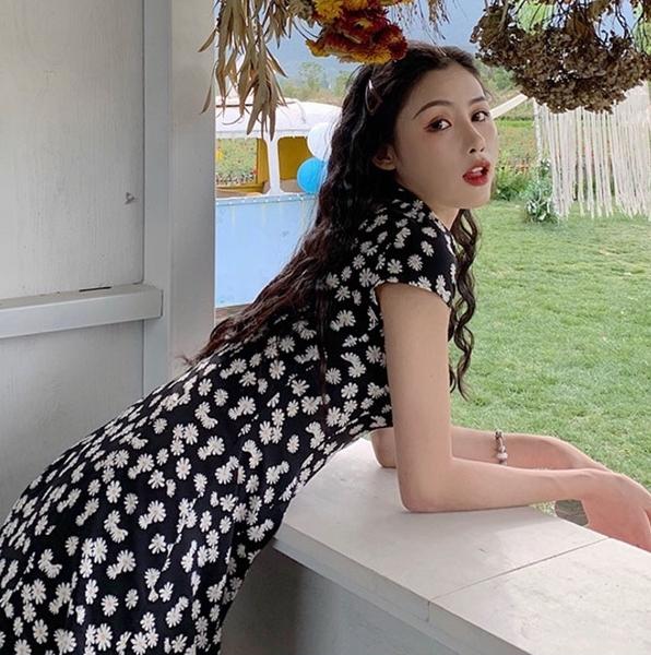 EASON SHOP(GW9947)韓版法式碎花收腰排釦大V領翻領短袖嫘縈連身裙洋裝女短裙傘狀A字裙荷葉邊膝上裙