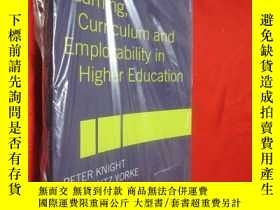 二手書博民逛書店Learning,罕見Curriculum and Employ
