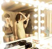 LED化妝鏡 鏡前燈化妝鏡梳妝臺燈泡粘貼免打孔LED簡約化妝臺燈補光鏡子燈具   igo夢藝家