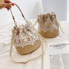 高級感小包包女新款韓版蕾絲編織側背包時尚洋氣水桶包 黛尼時尚精品
