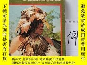 二手書博民逛書店Sun罕見Dance People: The Plains Indians, Their Past and Pre