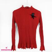 【SHOWCASE】刷破領邊金魚飾彈性合身針織上衣(紅)