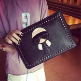 韓版時尚手拿包鉚釘信封包百搭簡約休閒復古女包【非凡上品】h538