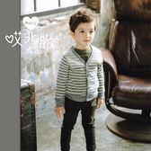 質感條紋V領針織外套 男童 韓版 小外套 童裝 保暖 條紋 針織 秋冬新款【哎北比童裝】