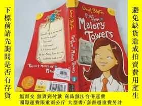 二手書博民逛書店First罕見Term At Malory Towers:馬洛裏大廈第一學期。Y200392